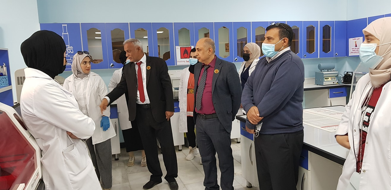 A visit by students of the Basra University College of Science and Technology to the College of Health and Medical Technologies.
