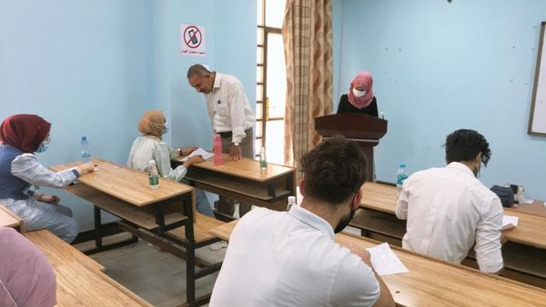 The Dean of the Faculty of Health and Medical Techniques keeps track of the final practical examinations at the College.